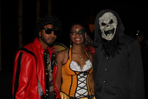 Singles Halloween Party @ Taj
